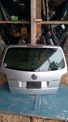 Крышка багажника на volswagen touran 2004
